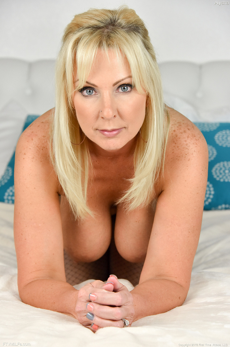 mature milf prolapsing  #1