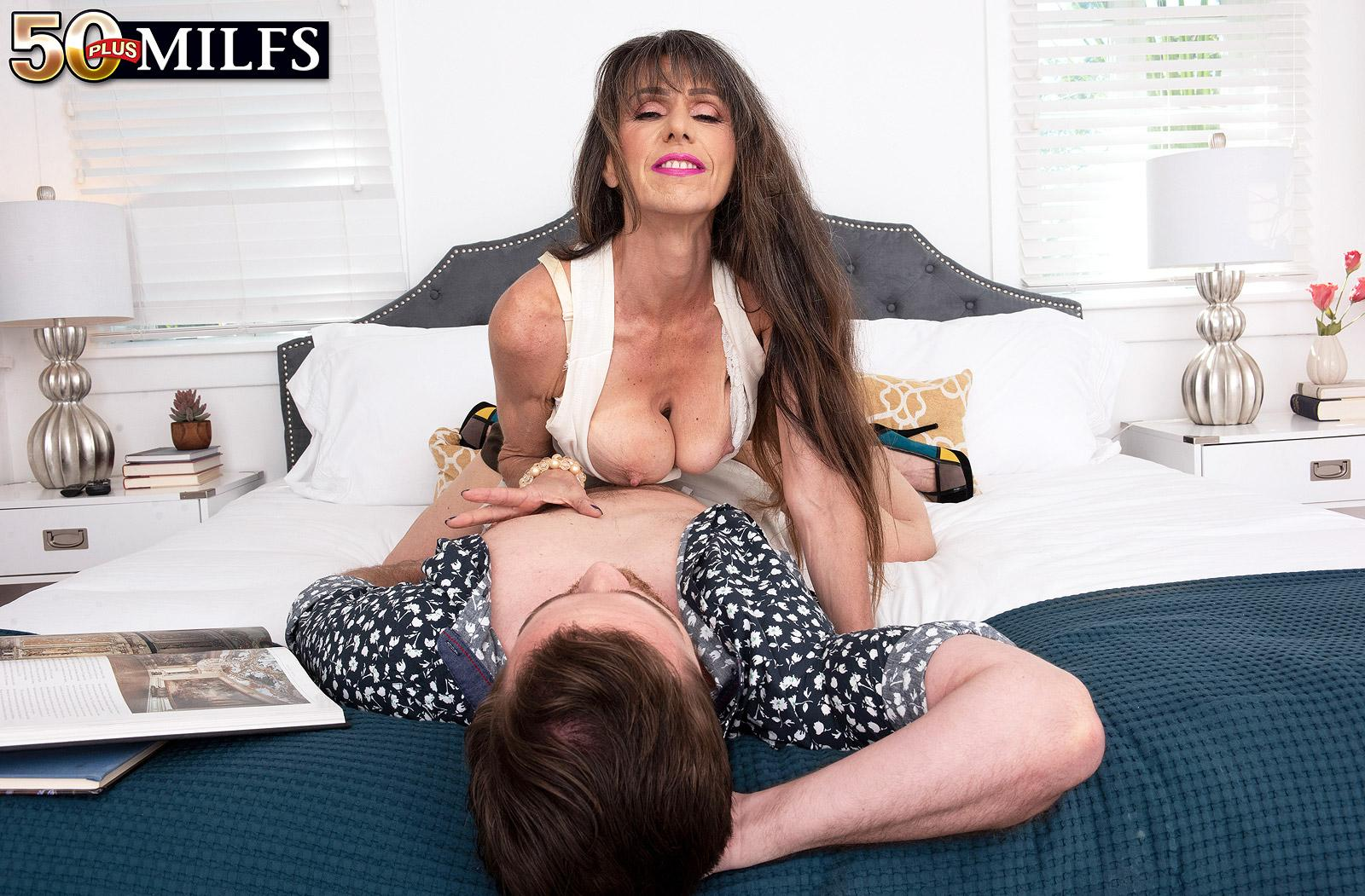 skinny, slightly scrawny and athletic older women  demands hard anal from her young admire picture 10